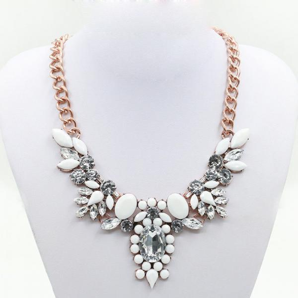 White Floral Crystal Beaded Chunky Chain Necklace